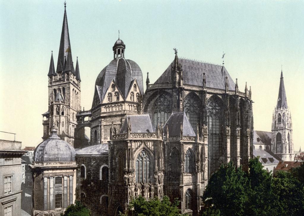 aachener dom aachener munster kaiserdom 25 археологических и архитектурных чудес Европы