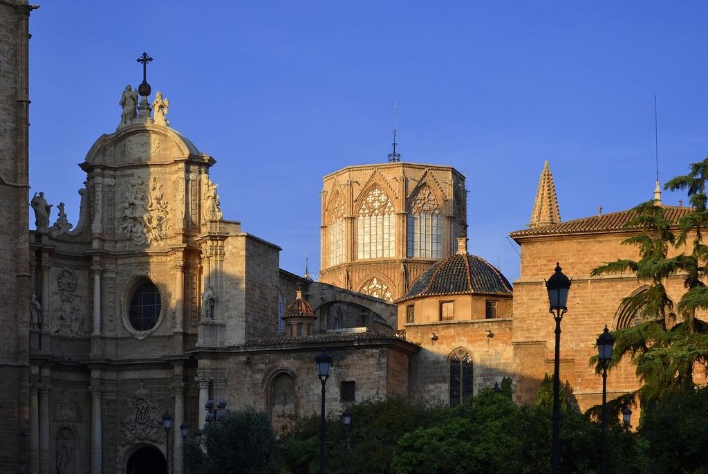catedral de santa maria de valencia Как открыть отель в Испании с нуля