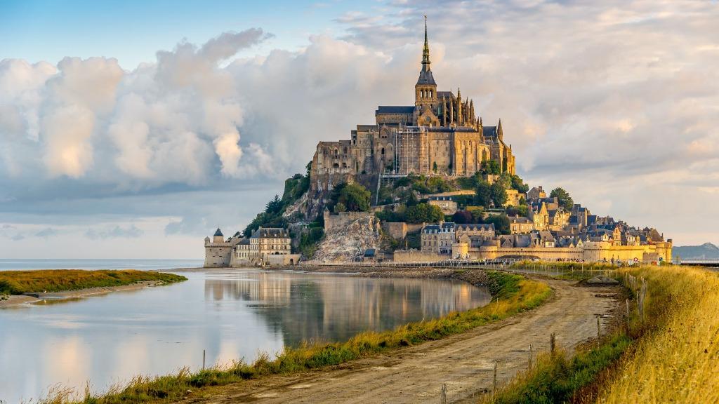 mont saint michel 25 археологических и архитектурных чудес Европы
