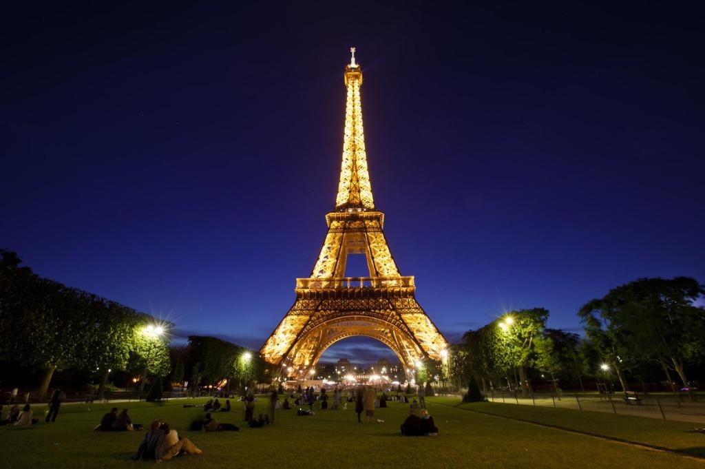 tour eiffel 25 археологических и архитектурных чудес Европы