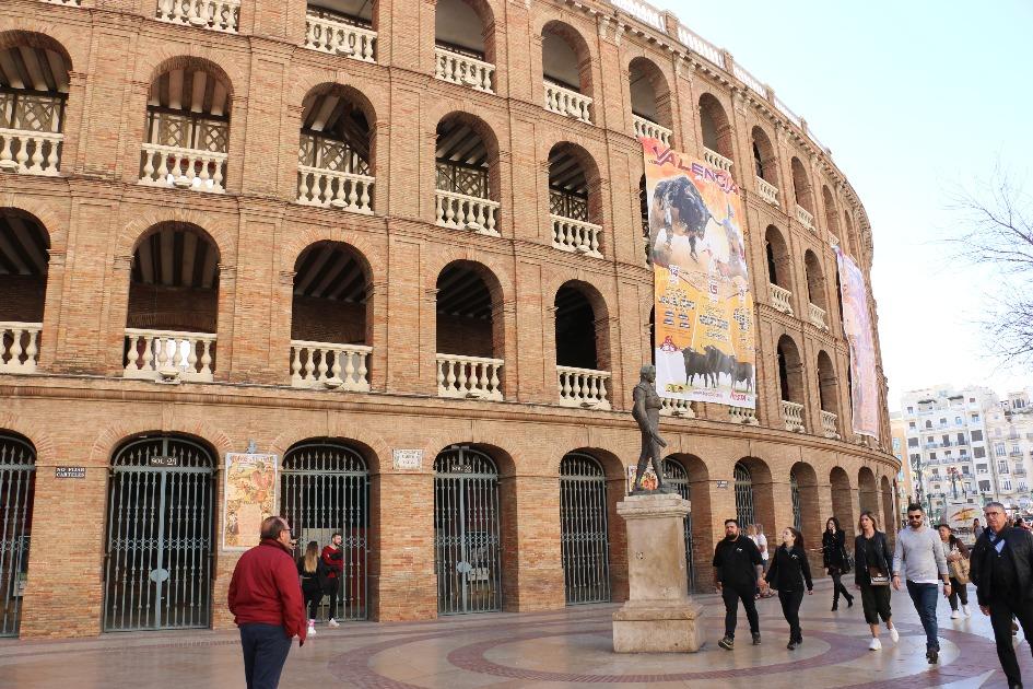 arena dlya boya bykov la plaza de toros Достопримечательности Валенсии: что посетить и посмотреть?