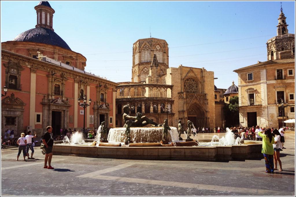 plaza de la virgen i kafedralnyj sobor Районы Валенсии, часть 2 (1-3, Ciutat Vella, L'Eixample, Extramurs)