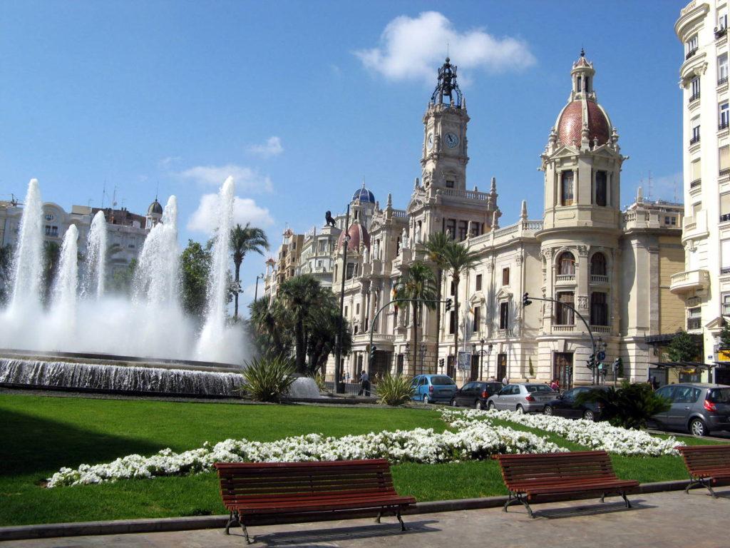 ratushnaya ploshhad la plaza del ayuntamiento Достопримечательности Валенсии: что посетить и посмотреть?